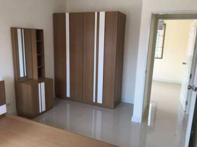 TL-0084 - Town house for rent with 4 bedrooms, 2 bathrooms, 1 kitchen