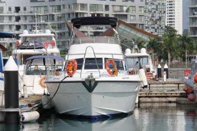 2006 Kaohsuing Flybridge Cruiser 48'