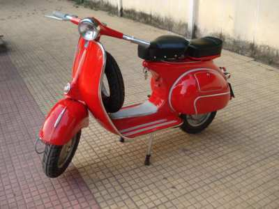 Classic style Vespa and Lamretta for sale (fully restored)
