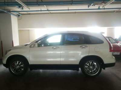 WHITE CRV 2010 AUTOMATIC excellent condition