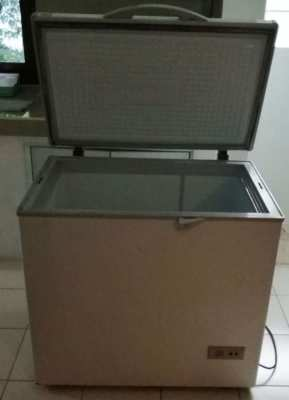 freezer 60 x 86 x 82 for sale