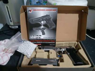 m-92 gas powered airsoft gun