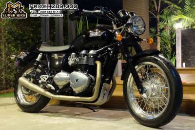 Triumph Thruxton 2015 with D&D exhaust and Ohlins rear suspensions!