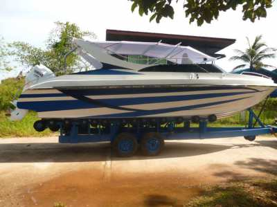 speedboat 250 hp yamaha fourstroke   low kilometer