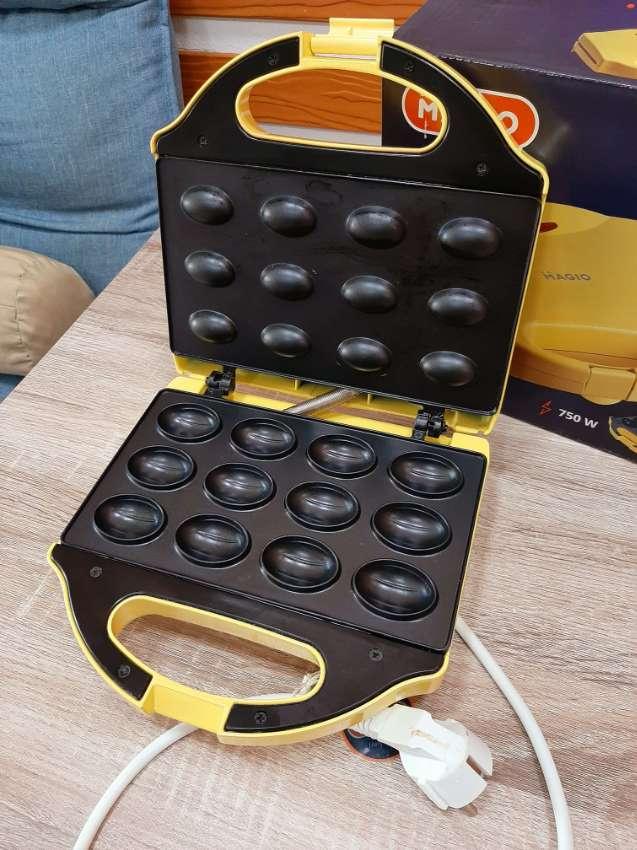 nut maker