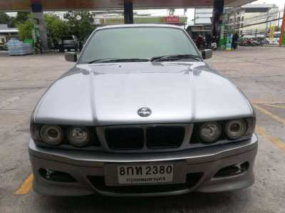 BMW 525i 1997 Recently Renovated with New Paint Job
