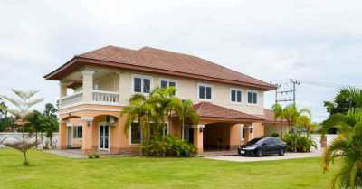 An incredible 5/6 bedroom 2-storey house
