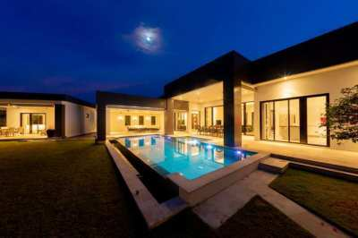 State of the Art Modern Pool Villa with stunning Black mountain views