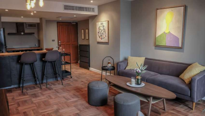 Best value condo in lower Sukhumvit only 450m from BTS!