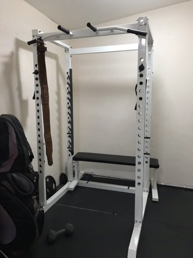 REDUCED!  SQUAT CAGE, 120kg WEIGHTS, BENCH,BARBELL