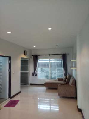 Townhouse for Sale East Pattaya, Pornthep 9 village near Motorway 7.