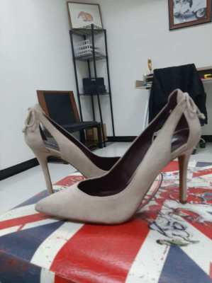 New shoes for sale! Size 40! Never wearing!