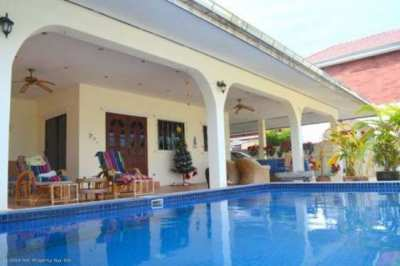 Wonderful 3 br 2 br Poolvilla Hua Hin next to Phoenix Golf