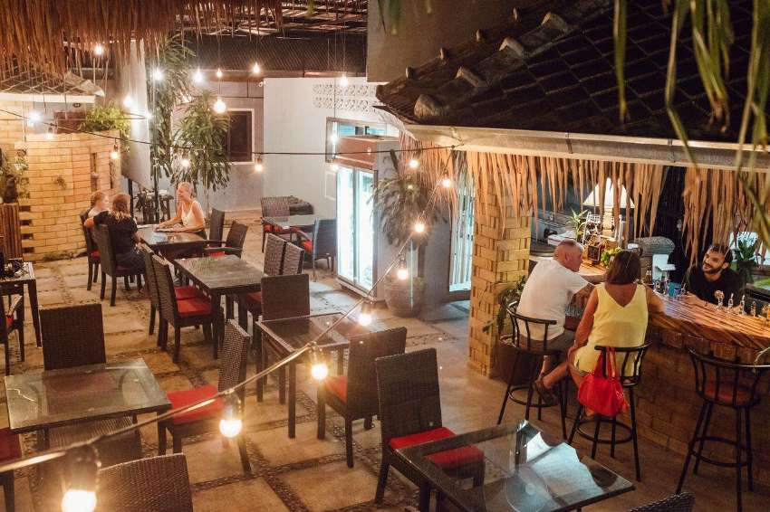Top Rated Guesthouse/Hostel with Restaurant & Bar in Chaweng, Samui