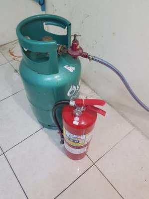 fire extinguisher, gas bottle