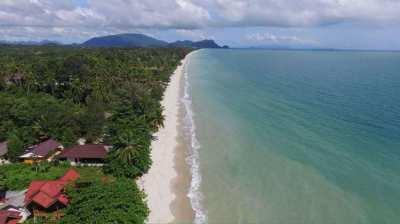 Beach front 2 bedroom 2 bathroom 108 sqm Nadan beach Khanom.