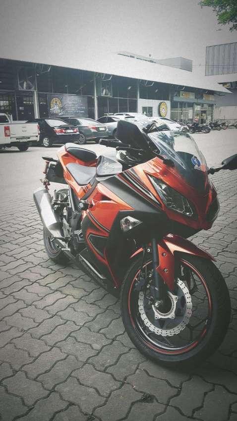 Kawasaki Ninja 300 special edition 2015.  88,000 THB.