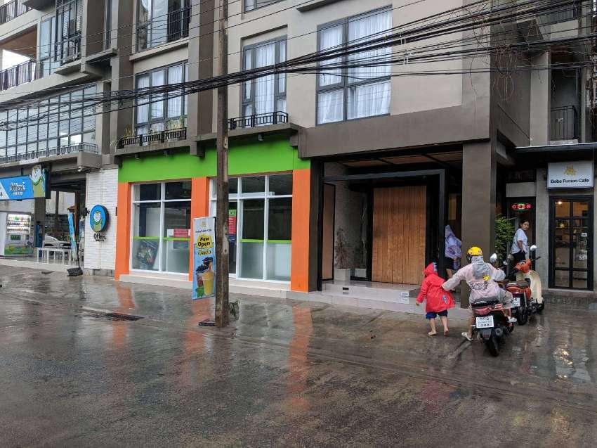 Commercial Space for Salon Sukhumvit 71 in Apartment Building