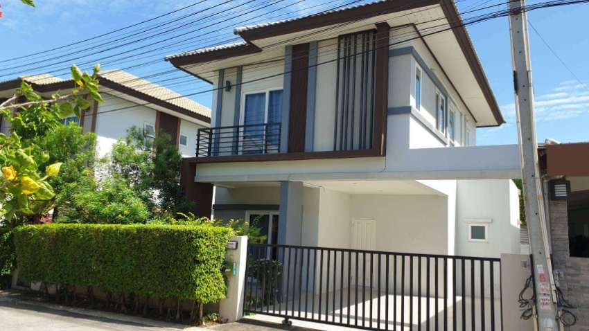 Two story house for rent East Pattaya, soi. Siam Country Club.