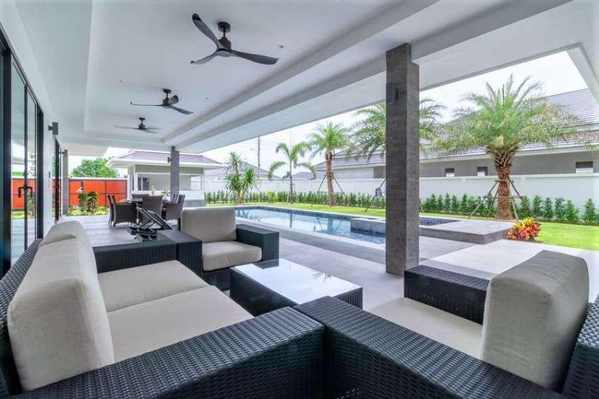 The Clouds luxury pool villa 321 sqm Hua Hin next to Palm Hills