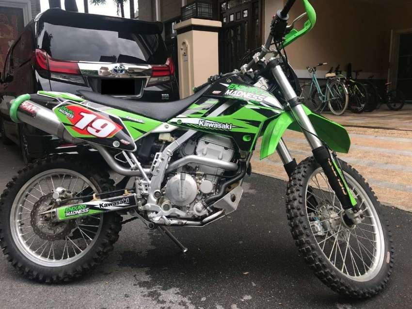 Kawasaki KLX250S Off-road bike
