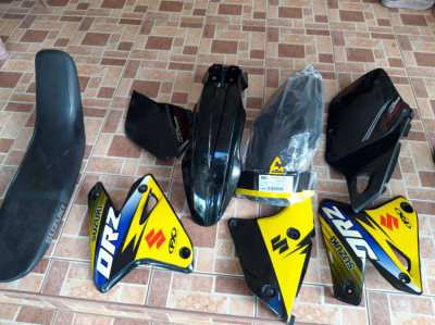 Suzuki DRZ400 plastic kit and seat