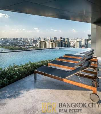 Ideo Mobi Asoke Ultra Luxury Condo Newly Furnished 1 Bedroom Unit