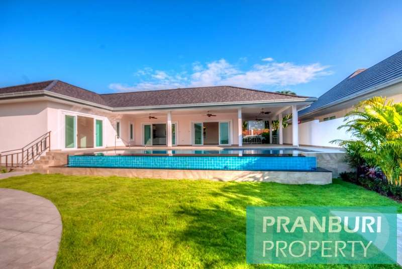 Modern immaculate 3 bed pool villa with views and no common fee