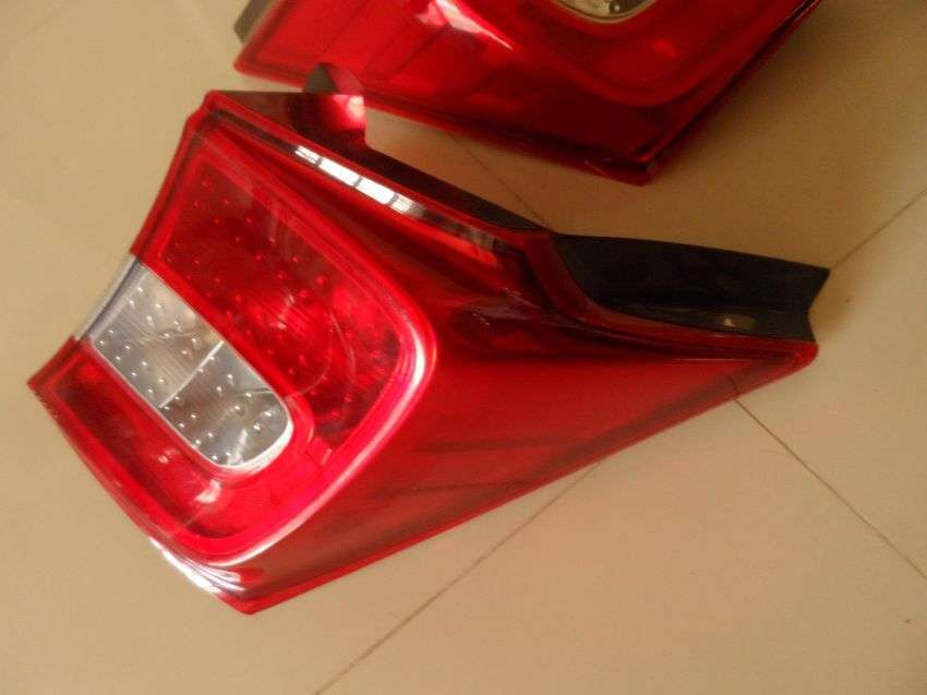 Honda Freed rear tail lights for sale Like new ( Face lift ).