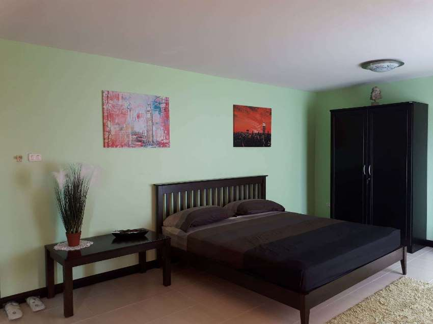URGENT SALE !! Great bargain.Nice apartment in the heart of Bangsaen.
