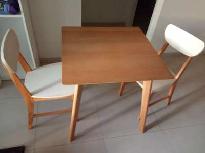 Wood Dining table and 2 chairs, located South Pattaya