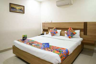 30 Rooms Hotel & Restaurant with Low Rent in Patong