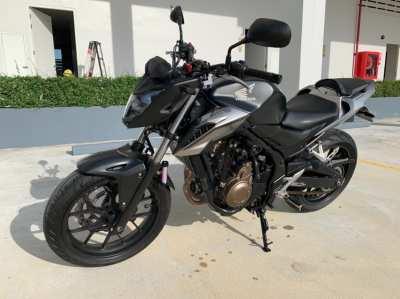 Honda CB500F w/ many extras. Includes 1st class insurance (139,000.00)