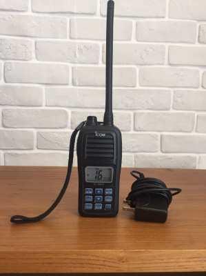 Floating VHF marine radio ICOM IC-M24