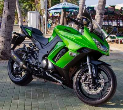 Kawasaki Ninja 1000 - Akrapovič Sports Exhaust systems - Panniers