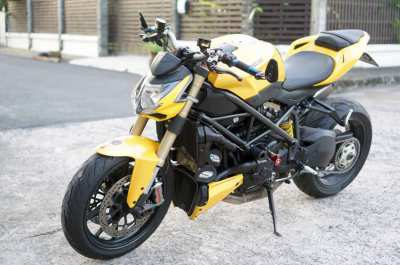 Ducati streetfighter 848 Yellow