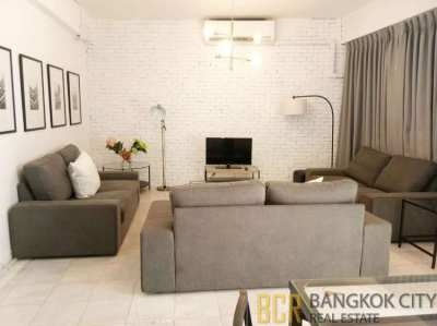 Newly Furnished 4 Storey 5 Bedroom Townhouse in Thonglor for Rent