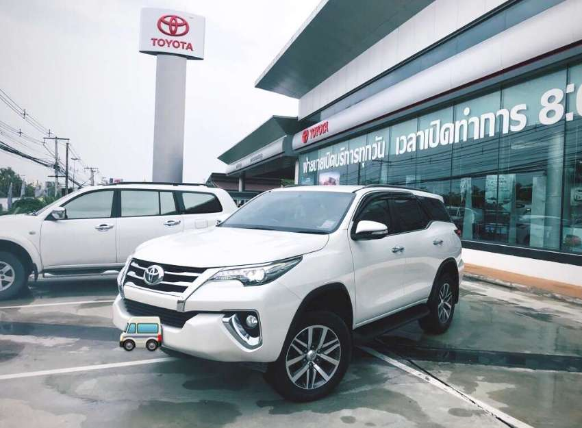 URGENT SALE!!!Toyota Fortuner 2016 2.8 TRD 4 WD White Pearl