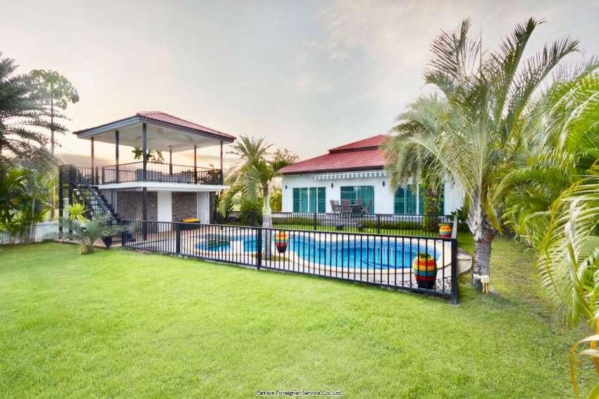 House in high class golf estate