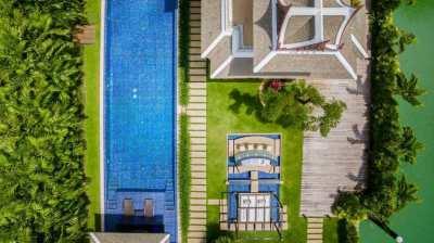 Harbourfront Villa In Royal Phuket Marina