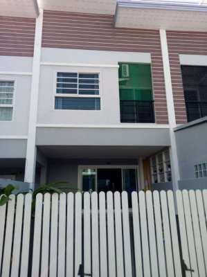 Townhouse for rent East Pattaya, Pornthep 9 village,Nongplalai.