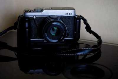 Fujifilm Fuji X-E1 Mirrorless Camera Black-Silver Body in box