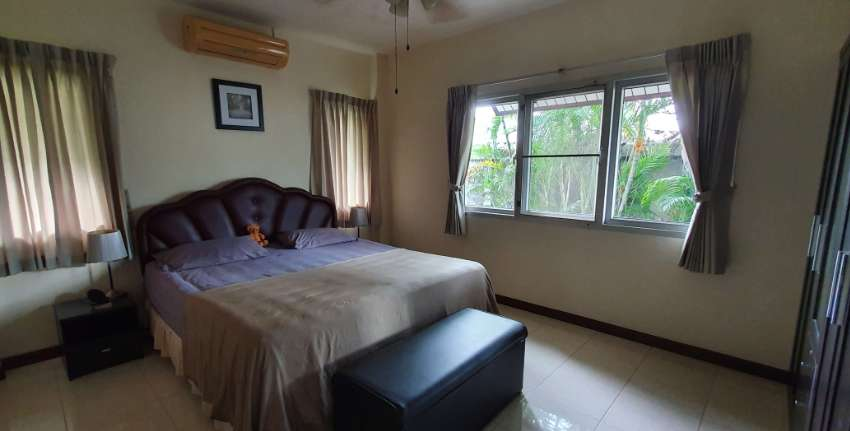 3 bed 2 bath detached bungalow 70 sq.w
