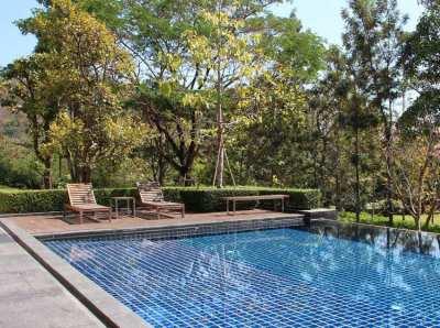 Condo, outdoor bathtub and undisturbed garden in Khao Yai