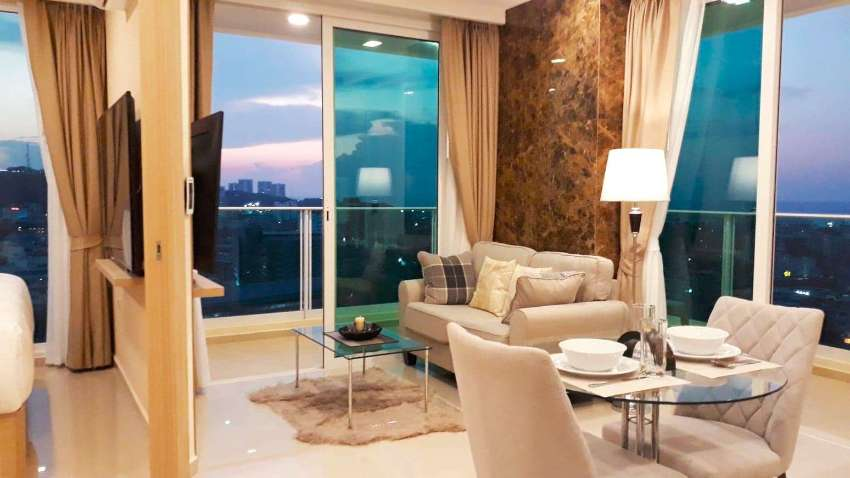 City Garden Tower High Floor Seaview Luxury Condo - Corner Unit