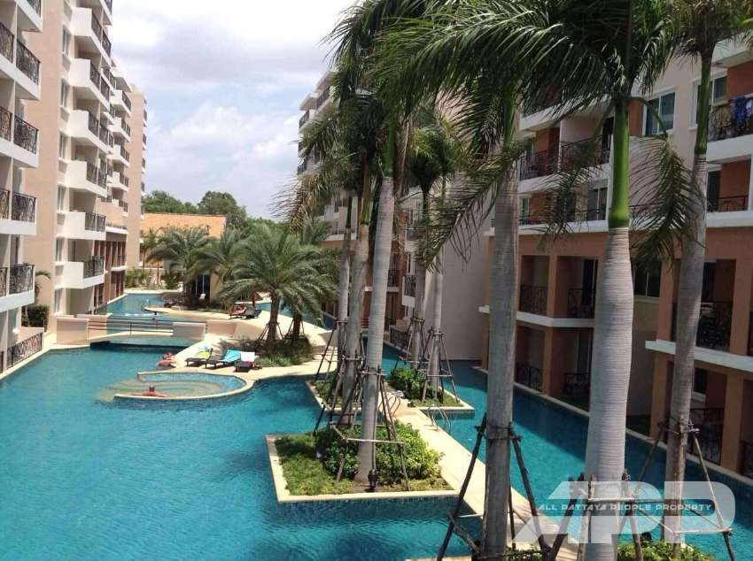 1 bedroom spacious apartment with a huge balcony in Jomtien