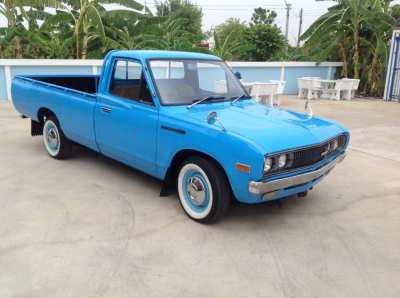 Classic Datsun 620 pickup fully restored (be different, may px )