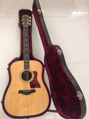 1995 Taylor 810 Dreadnought Acoustic Guitar. Made in USA, one owner
