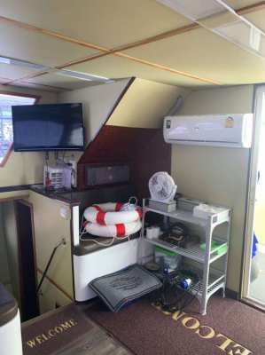 For  HOT  SALE a new fully equipped Catamarang