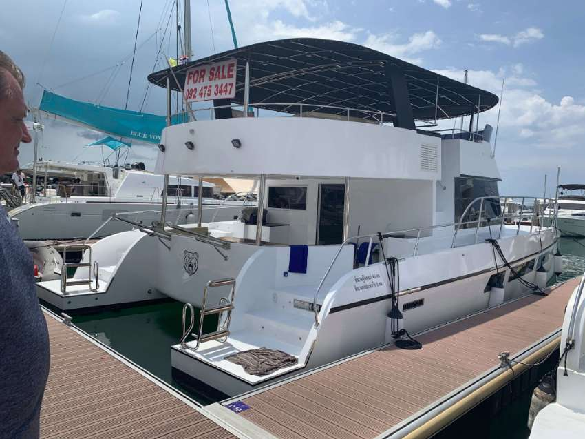 For sale a new fully equipped Catamarang